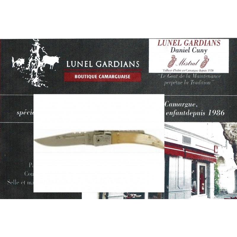 couteaux le camarguais n°10 corne blonde